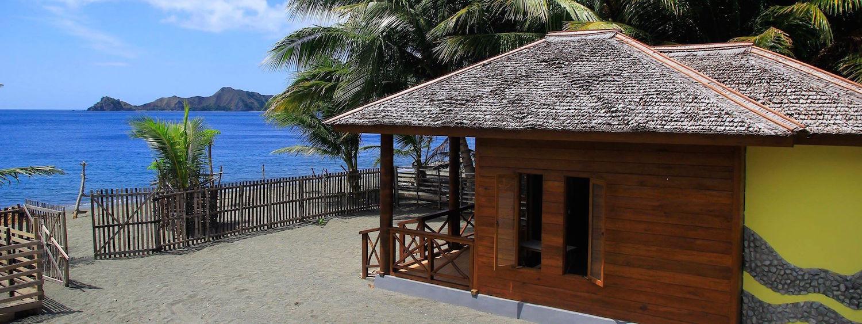 Tompotika Dive Lodge Bungalow