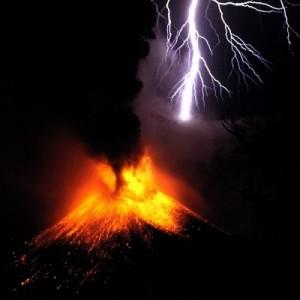 Rinjani Eruption legt Flughafen in Bali lahm
