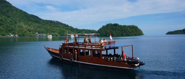 Banda: Großes Tauchboot von Bluemotion