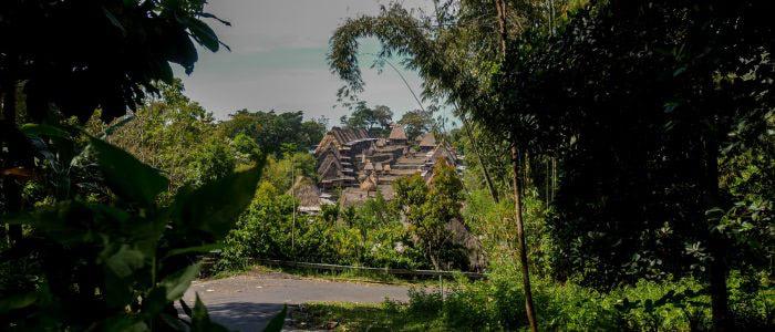 Bena, Blick auf das Dorf