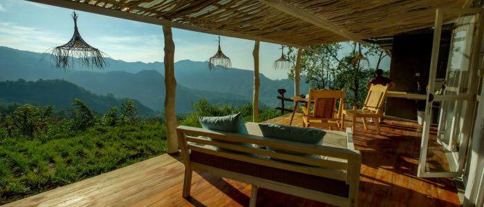 Manulalu Jungle, Terrasse mit Ausblick