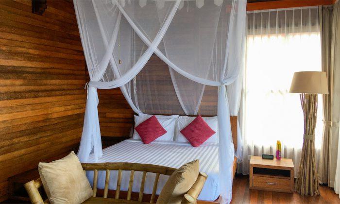 Marind Dive Resort Bett