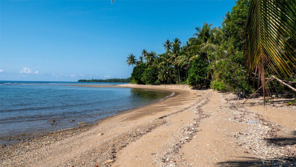 Strand des Bogani Homestays
