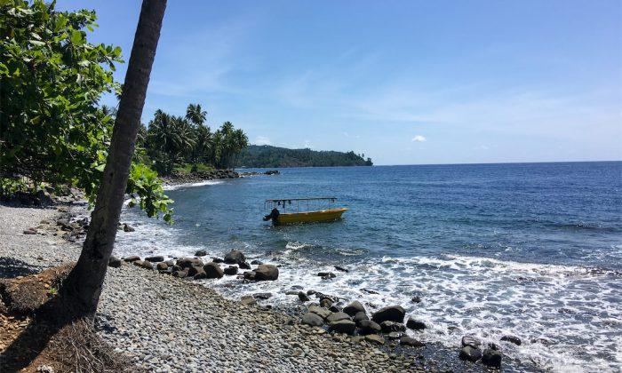 Tauchboot am Strand