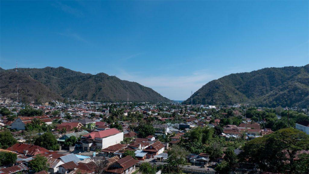 Blick auf Gorontalo vom Hotel