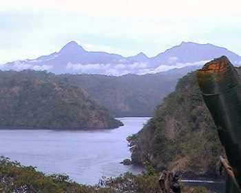 Blick auf Fjord in Tufi, Papua Neuguinea